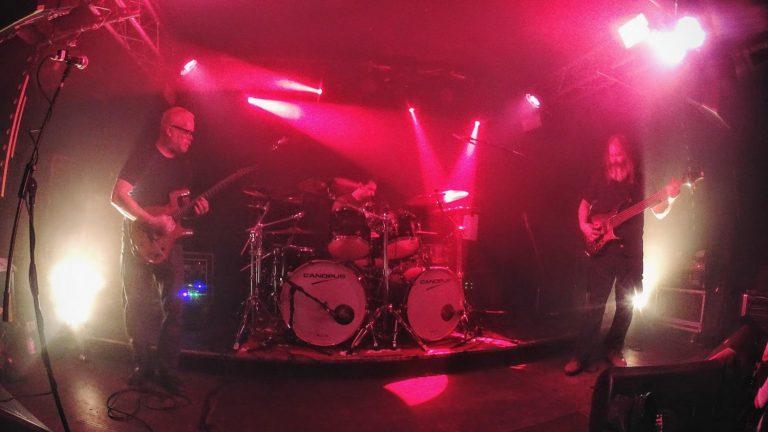 Blind Idiot God en directo, grupo de rock instrumental