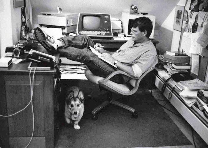 Stephen King en su estudio. | Fuente: Cultura Inquieta